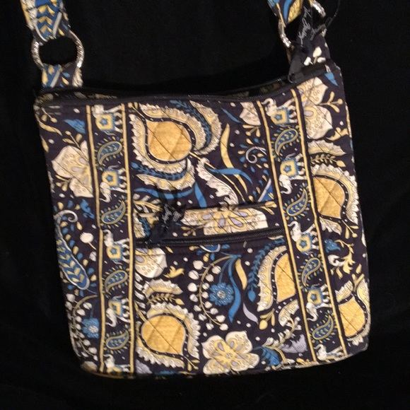 VERA BRADLEY Handbags - VERA BRADLEY CROSSBODY BAG 12 by 11